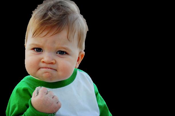 Photographie d'un petit enfant poing serrés | jsell.fr